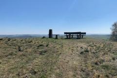 7-Aussichtspunkt-Sterzelberg-mit-Rastmöglichkeit